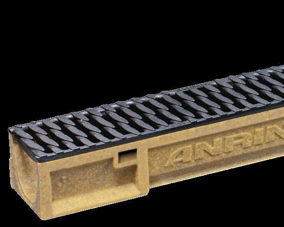 Canali in calcestruzzo polimerico completi di griglie